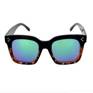 Kiss Accessories - LARGE SQ Black Tort Frame BLUE TURQmirror leNS NEW